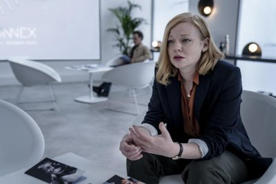 Sarah Snook, Malin Akerman, Betsy Brandt disagree over 'Soulmates'