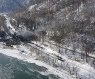 Rail traffic moving through W. Va. derailment site