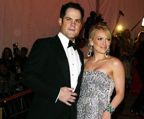 Hilary Duff, Mike Comrie divorce finalized after two years