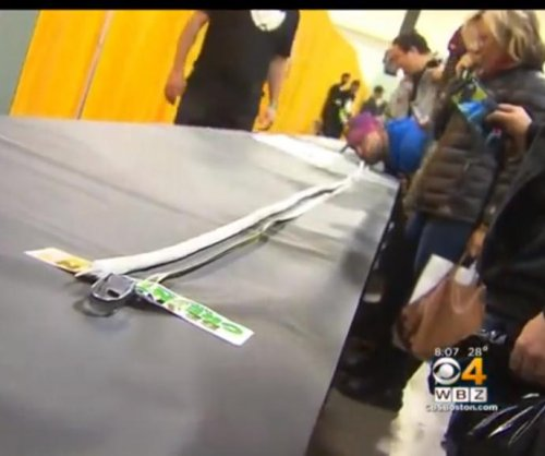 Group rolls up 106-foot marijuana joint at Massachusetts expo