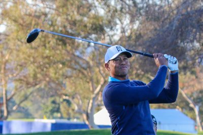 Farmers Insurance Open: Tiger Woods nearly aces par-3