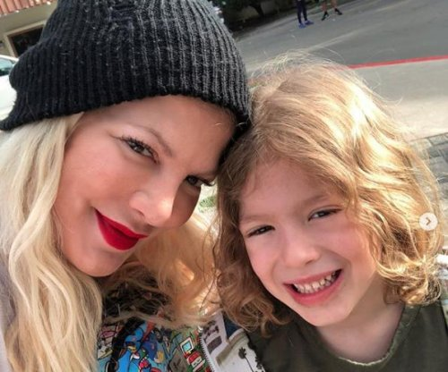 Tori Spelling enjoys family dinner on first day of spring