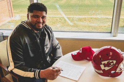 Chiefs sign restricted free-agent NT Williams