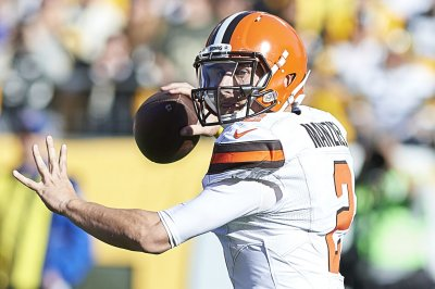 Johnny Manziel signs to play for the AAF's Memphis Express