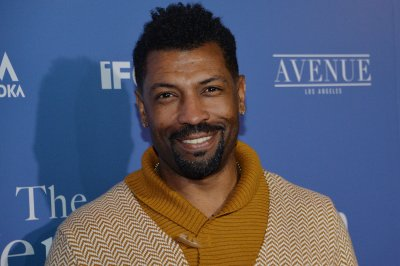 Deon Cole: Stand-up comedy is 'my sanctuary'