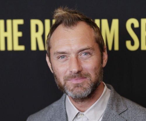 Jude Law in talks to play Captain Hook in 'Peter Pan & Wendy'