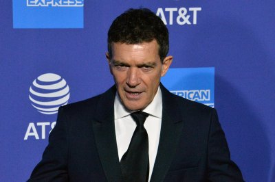 Antonio Banderas announces recovery from COVID-19
