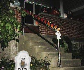 Watch: Ohio dad invents 'candy chute' for 'touch-free' trick-or-treating