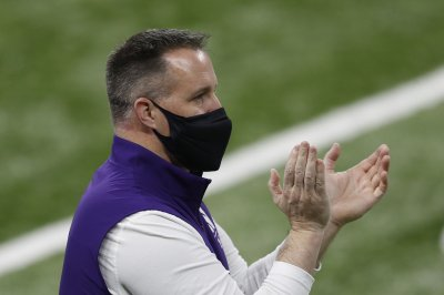 Northwestern football coach Pat Fitzgerald agrees to 10-year contract