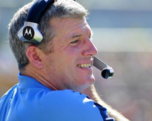 Titans coach Mike Munchak retains job