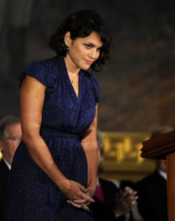 Norah Jones to sing 'Ted' theme at Oscars in LA next month