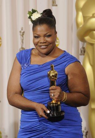 Mo'Nique returns to TV after Oscar win
