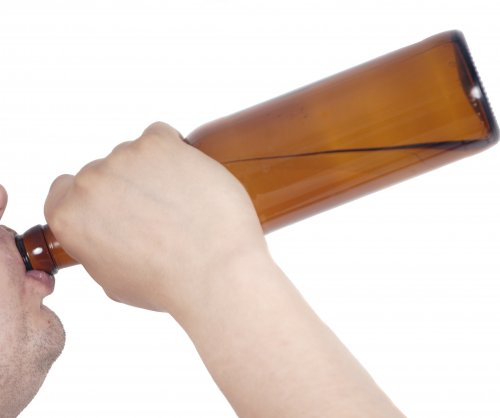 Australian police: Drunken man ate glass beer bottle