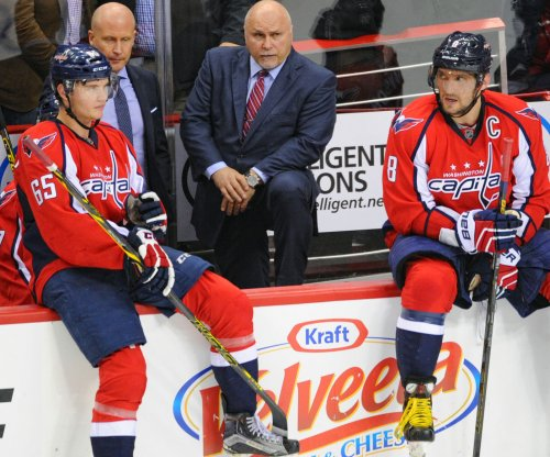 Washington Capitals defeat New York Rangers, give Barry Trotz 700th career victory