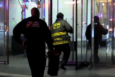 6 rescued after elevator plunge in Chicago skyscraper gripped by 'panic'