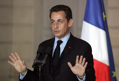 Sarkozy reportedly has phone for new love