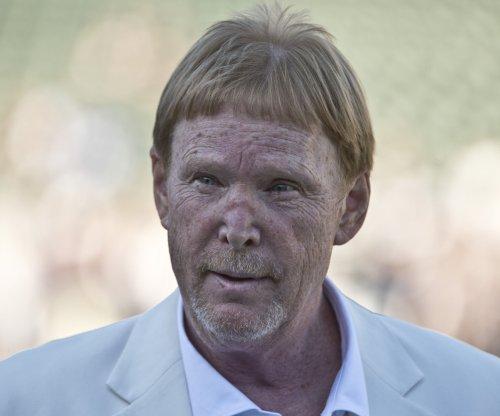Oakland Raiders owner Mark Davis pledges $500 million toward Las Vegas stadium
