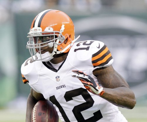 Fantasy Football: Arrest warrant out for Cleveland Browns' Josh Gordon