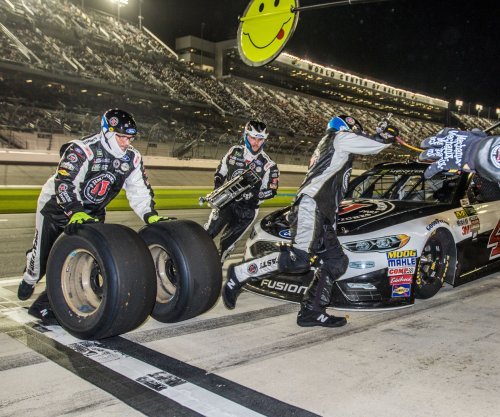 New teammate Kevin Harvick already paying off for Ford