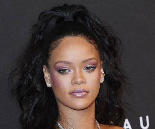 Rihanna mourns cousin's death, calls for end to gun violence