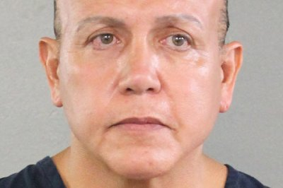 Mail bomb suspect: active Trump supporter with criminal record