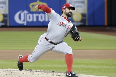 Reds edge Mets on late Jesse Winker bomb
