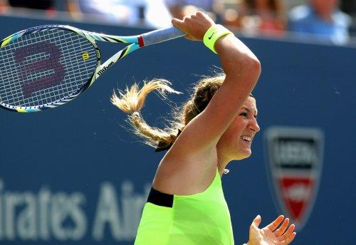 Azarenka defends Australian Open title