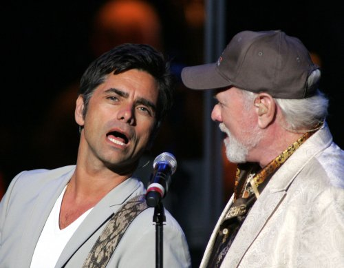 John Stamos ponders return to 'General Hospital'