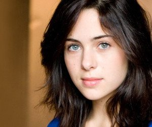 Holly Deveaux to play Casey Anthony