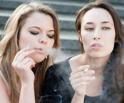 Many teens smoke cigarettes to lose weight, study suggests