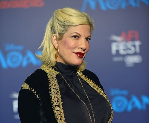 Tori Spelling celebrates baby shower with mom Candy