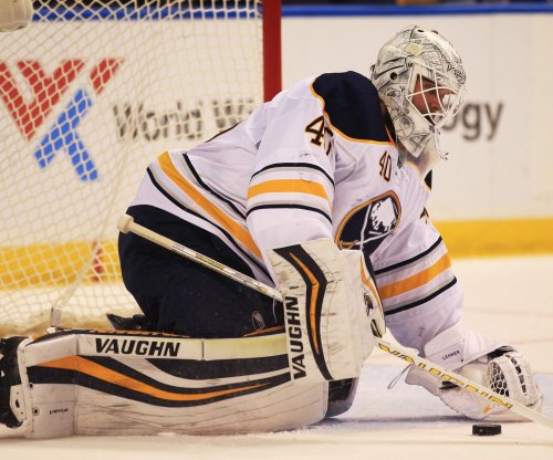 Robin Lehner, Buffalo Sabres squeeze past Detroit Red Wings