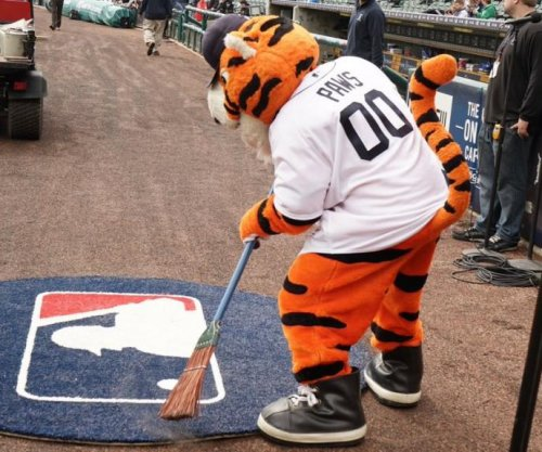 Justin Upton's walk-off HR pulls Detroit Tigers past Chicago White Sox