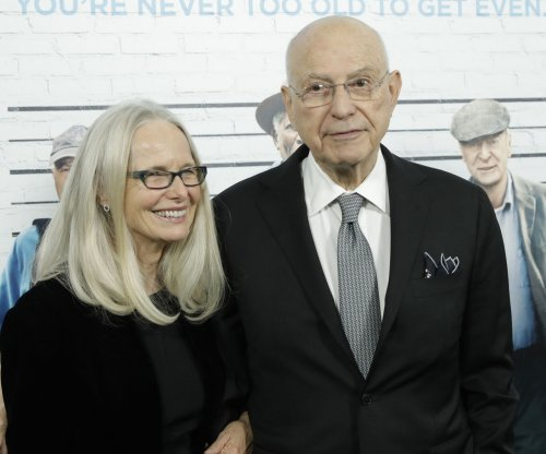 Alan Arkin joins cast of Tim Burton's live-action 'Dumbo'