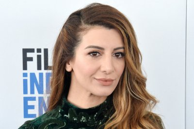 'SNL' alum Nasim Pedrad to star in new Netflix movie
