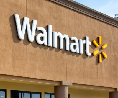 Walmart says it will hire 20,000 U.S. workers for holiday season