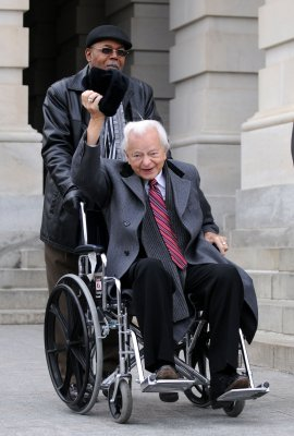 Byrd's recovery good news for Senate Dems