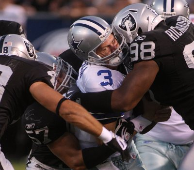 NFL: Oakland 31, Dallas 10
