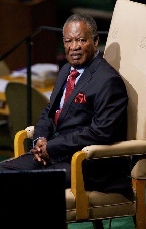 'King Cobra,' President of Zambia, dies at 77