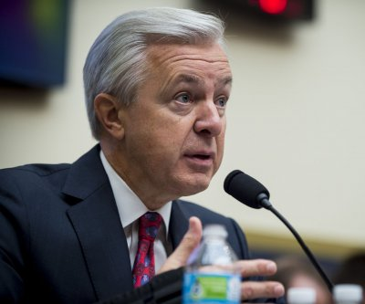 Lawmakers lambaste Wells Fargo CEO John Stumpf over phony accounts
