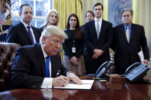 Trump signs off on Dakota Access, Keystone XL