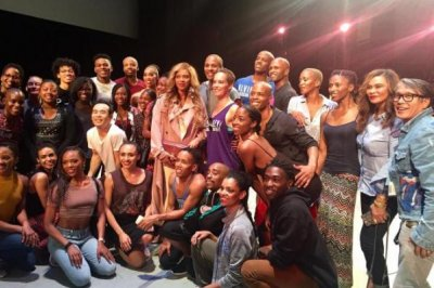 Beyonce surprises dancers with mom Tina Knowles