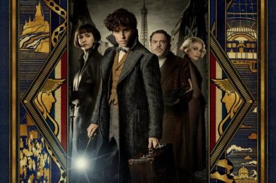 Eddie Redmayne stands ready in 'Fantastic Beasts 2' Comic-Con poster