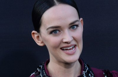 'Good Wife' alum Jess Weixler introduces newborn daughter