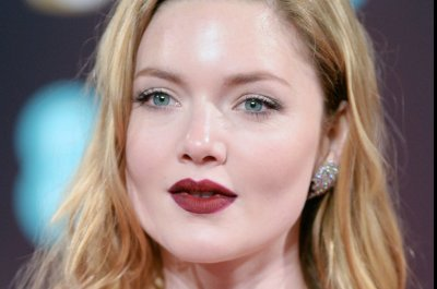 Holliday Grainger returning for Season 2 of 'The Capture'