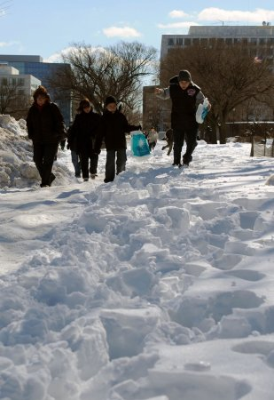 More snow forecast for winter-weary states