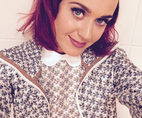 Katy Perry ditches black hair for new shade