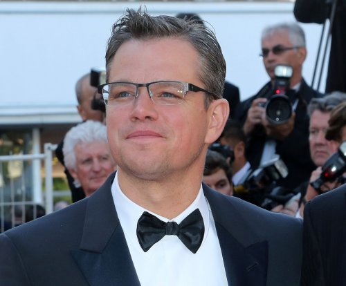 Watch: 'The Martian' trailer features Matt Damon surviving on Mars