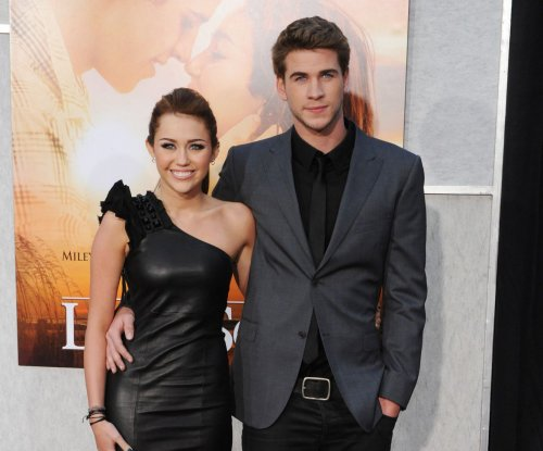 Miley Cyrus and Liam Hemsworth start 2016 together