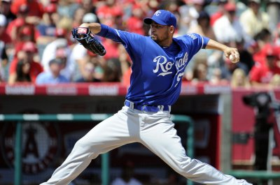 Cincinnati Reds sign LHP Jonathan Sanchez to deal
